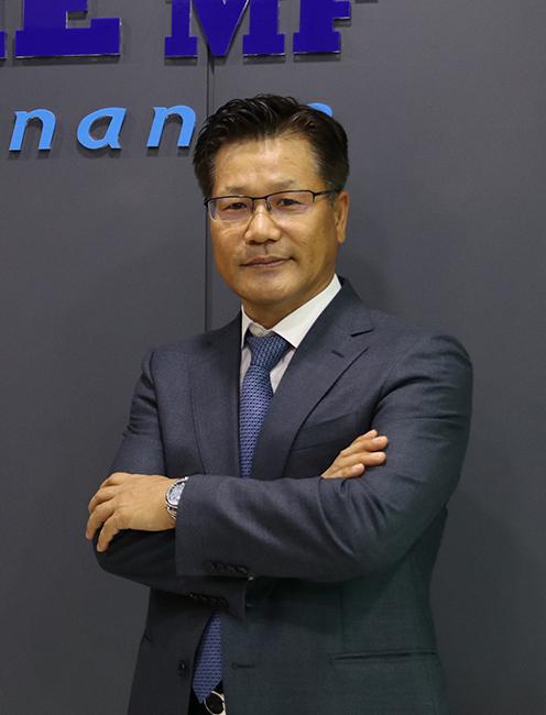 Mr. Robin Kim